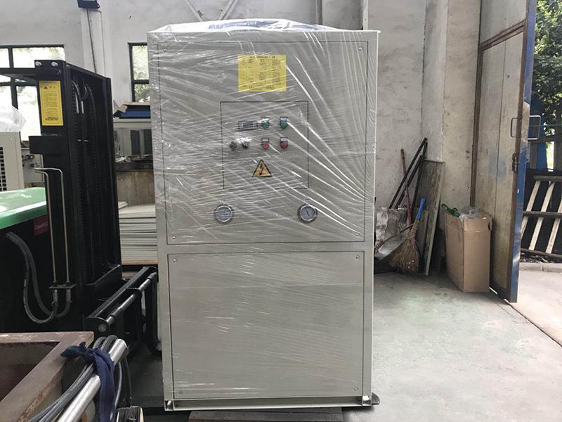 LYD350型油冷机.jpg