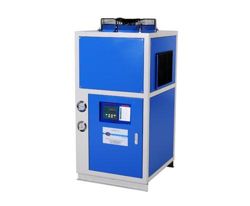 工业冷油机该怎样进行定期的安全检查?