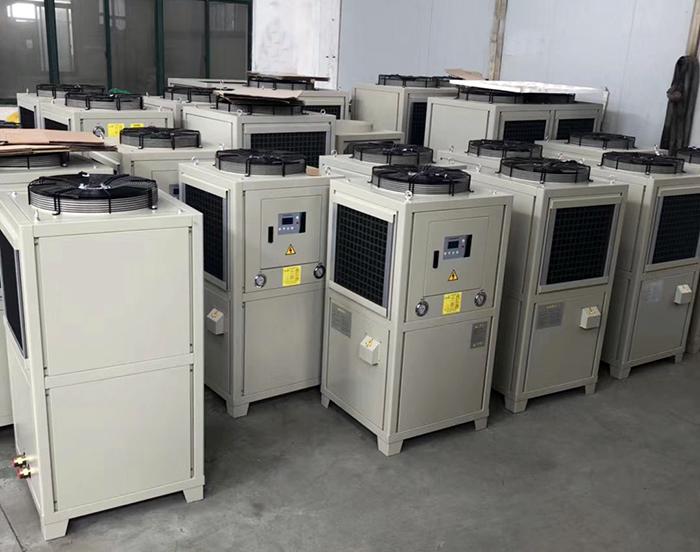 如何检测小型油冷机的冷却水量?