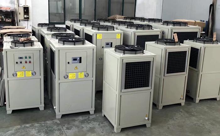 风冷式油冷机的清洁流程